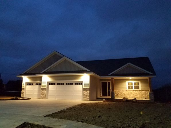 4 bed 3 bath Single Family at 1842 Esther Ln SW Rochester, MN, 55902 is for sale at 400k - 1 of 8