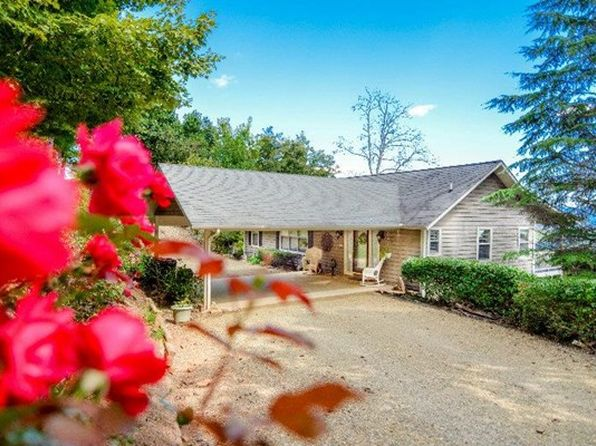 3 bed 3 bath Single Family at 176 Oak Ln Hayesville, NC, 28904 is for sale at 319k - 1 of 25