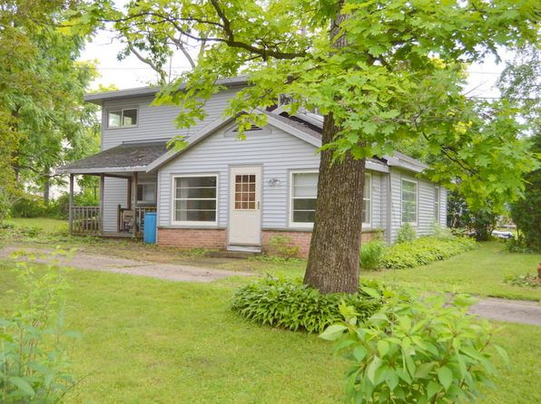 2 bed 1 bath Single Family at W882 White Oak Dr East Troy, WI, 53120 is for sale at 90k - 1 of 18
