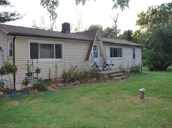2 bed 1 bath Single Family at 6122 Olde Eight Rd Peninsula, OH, 44264 is for sale at 132k - 1 of 35