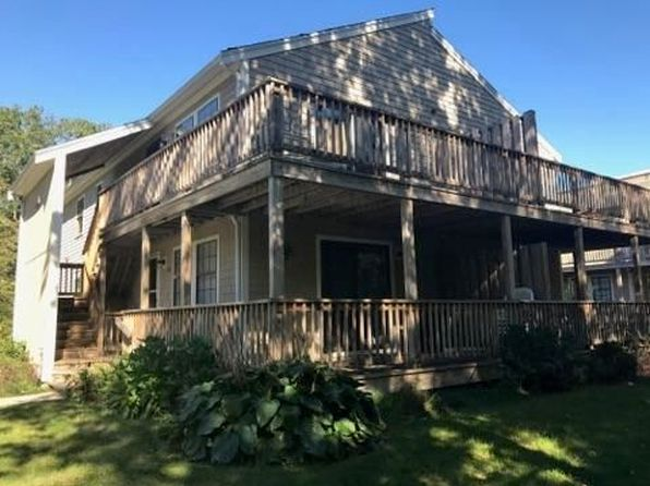 2 bed 1 bath Condo at 35 Ashumet Rd Mashpee, MA, 02649 is for sale at 147k - 1 of 10