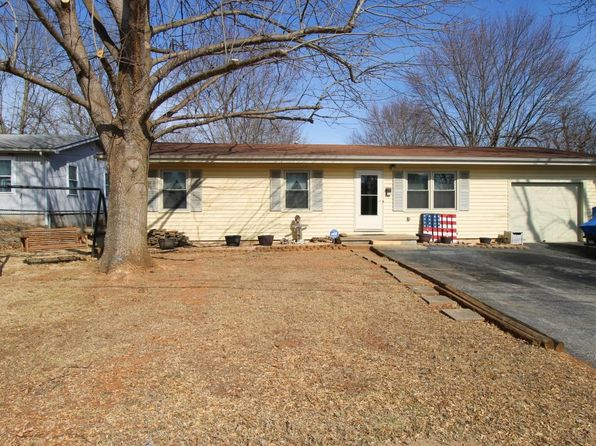 2 bed 2 bath Single Family at 3225 W Walnut St Springfield, MO, 65802 is for sale at 100k - 1 of 21