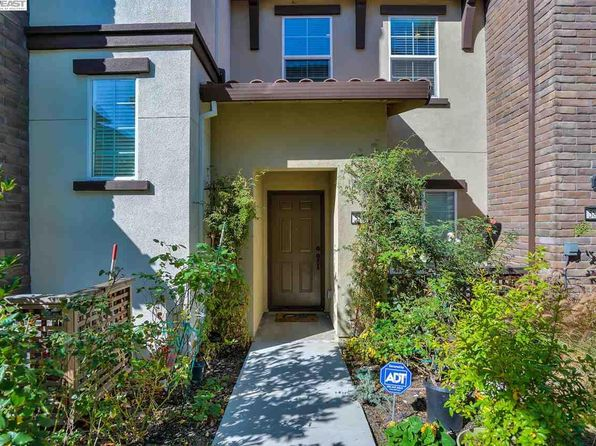 3 bed 4 bath Townhouse at 5867 Via Lugano Fremont, CA, 94555 is for sale at 890k - 1 of 29