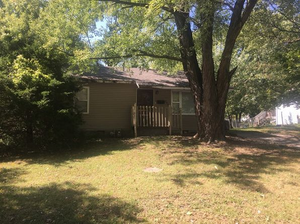 2 bed 1 bath Single Family at 408 S Oak St Nevada, MO, 64772 is for sale at 25k - 1 of 4