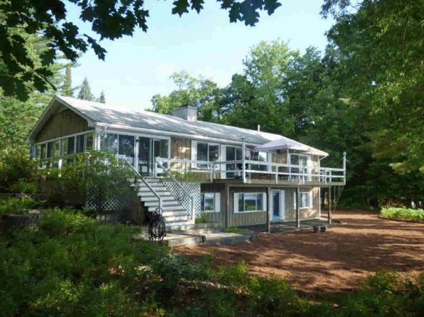 3 bed 2 bath Single Family at 29 Mirror Lake Drive Dr Tuftonboro, NH, 03816 is for sale at 600k - 1 of 16