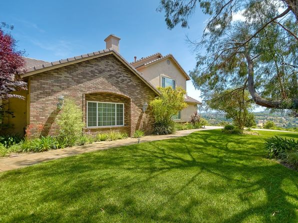 5 bed 4 bath Single Family at 2576 Weldon Way Fallbrook, CA, 92028 is for sale at 875k - 1 of 25