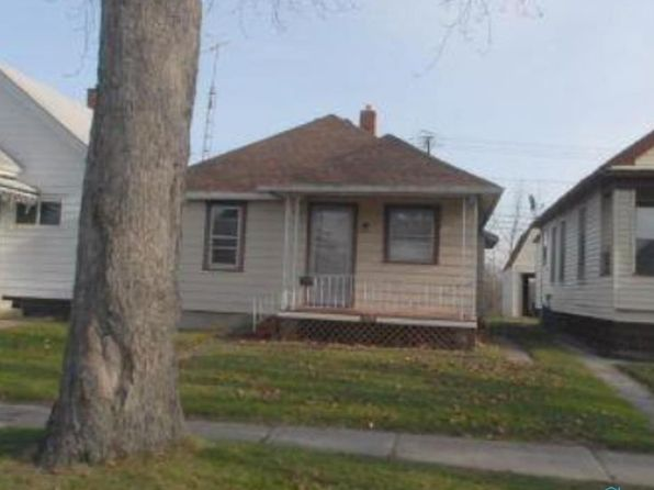 2 bed 1 bath Single Family at 201 Elm St Rossford, OH, 43460 is for sale at 43k - google static map
