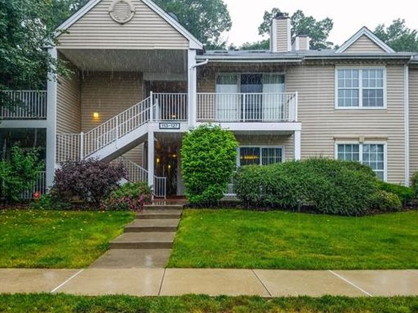 2 bed 2 bath Townhouse at 115 Lindsey Ct Franklin Park, NJ, 08823 is for sale at 195k - 1 of 24