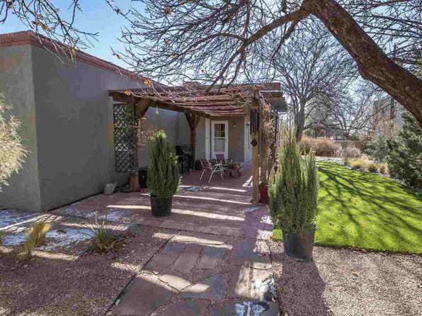 3 bed 2 bath Single Family at 124 La Placita Cir Santa Fe, NM, 87505 is for sale at 385k - 1 of 51