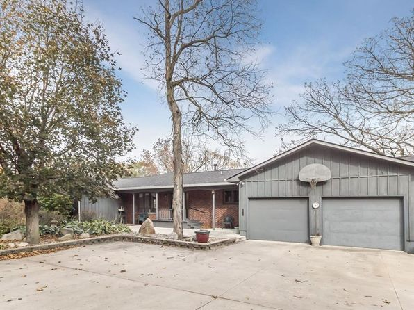 3 bed 2 bath Single Family at 542 Hickory Pl Nevada, IA, 50201 is for sale at 274k - 1 of 17