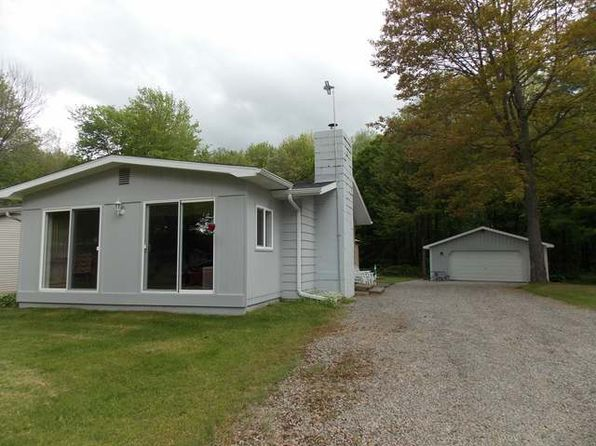3 bed 1 bath Single Family at 6481 Birch Rd Harrison, MI, 48625 is for sale at 186k - 1 of 33