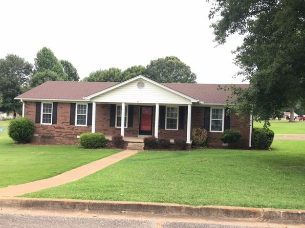3 bed 2 bath Single Family at 51 Lynwood St Lexington, TN, 38351 is for sale at 130k - 1 of 24