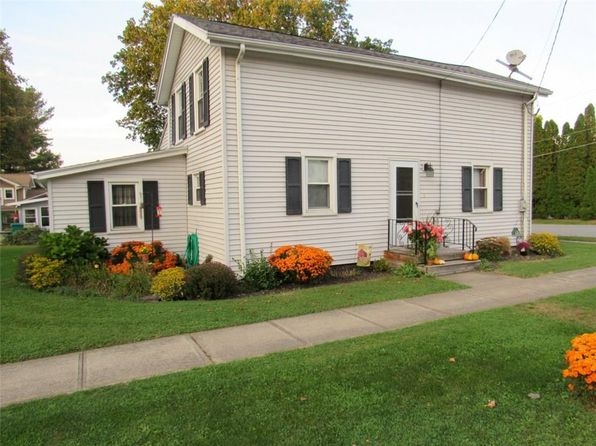 3 bed 1 bath Single Family at 43 William St Mumford, NY, 14511 is for sale at 90k - 1 of 16