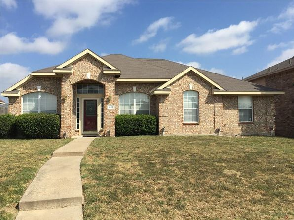 3 bed 2 bath Single Family at 1125 Chestnut Ln Cedar Hill, TX, 75104 is for sale at 189k - 1 of 5