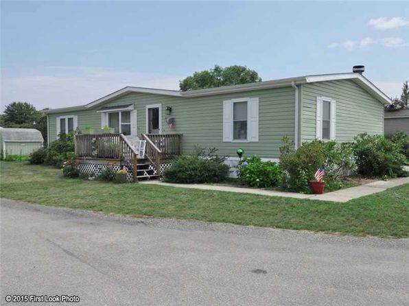 2 bed 2 bath Single Family at 66 Little Pond Rd South Kingstown, RI, 02879 is for sale at 170k - 1 of 24