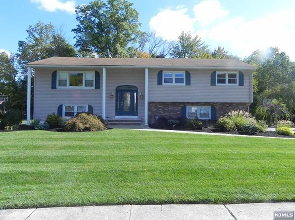 5 bed 3 bath Single Family at 23 Mayfair Dr Wayne, NJ, 07470 is for sale at 570k - 1 of 19