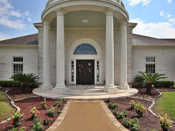 6 bed 6 bath Single Family at 10587 Fm 365 Rd Beaumont, TX, 77705 is for sale at 995k - 1 of 68
