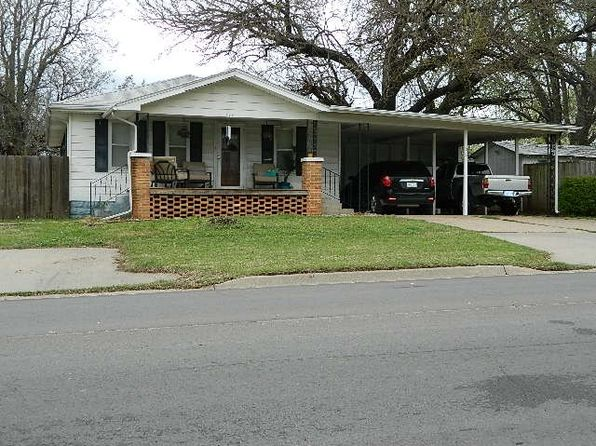 2 bed 1 bath Single Family at 704 E 19th Ave Winfield, KS, 67156 is for sale at 75k - 1 of 16