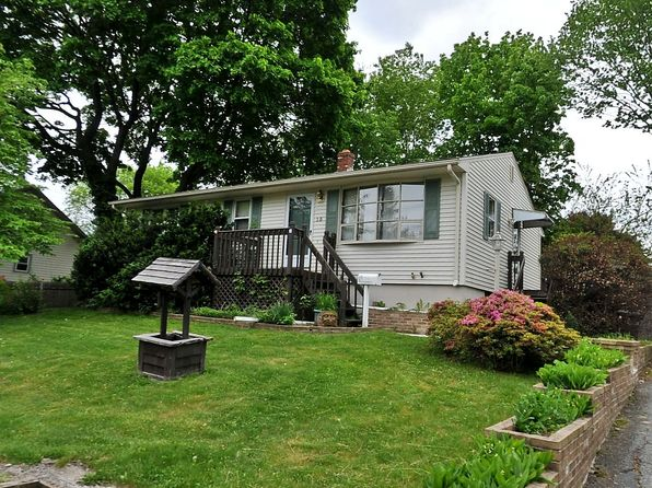 2 bed 1 bath Single Family at 15 Plante Ct West Warwick, RI, 02893 is for sale at 125k - 1 of 12