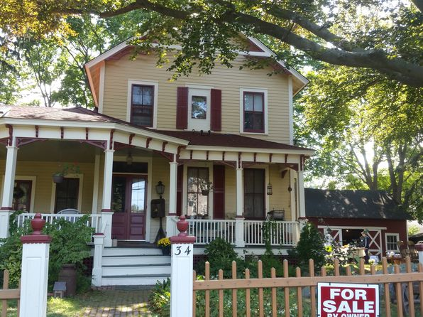 4 bed 2 bath Single Family at 34 WOOLSEY ST HUNTINGTON, NY, 11743 is for sale at 729k - 1 of 12