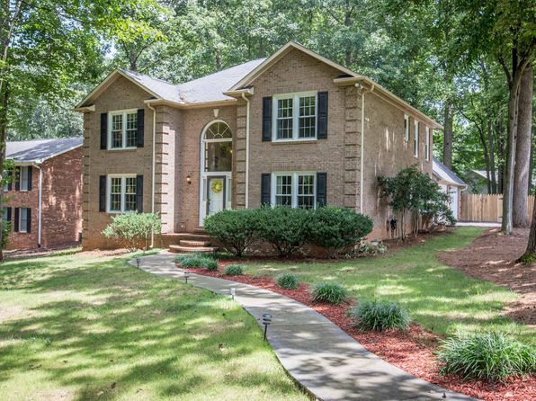 4 bed 3 bath Single Family at 4405 Hunters Run Dr Clemmons, NC, 27012 is for sale at 340k - google static map