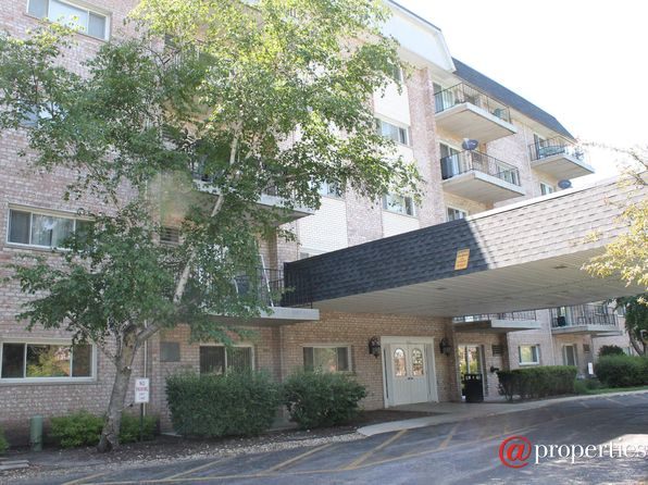 2 bed 2 bath Condo at 1000 S Lorraine Rd Wheaton, IL, 60187 is for sale at 105k - 1 of 8