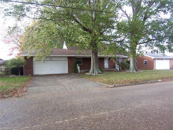 4 bed 3 bath Single Family at 4603 9th Ave Vienna, WV, 26105 is for sale at 215k - 1 of 35