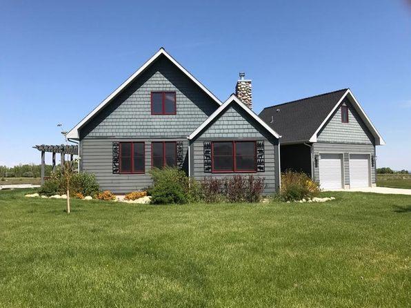 3 bed 3 bath Single Family at 1945 PINERIDGE RD RED LODGE, MT, 59068 is for sale at 398k - 1 of 27