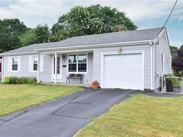 3 bed 1 bath Single Family at 9 Cedarwood Dr Riverside, RI, 02915 is for sale at 255k - 1 of 24
