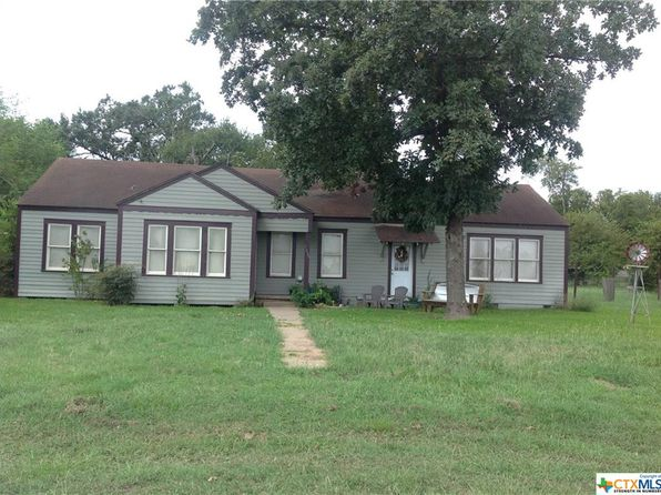 3 bed 2 bath Single Family at 1000 E 2ND ST NIXON, TX, 78140 is for sale at 100k - 1 of 4
