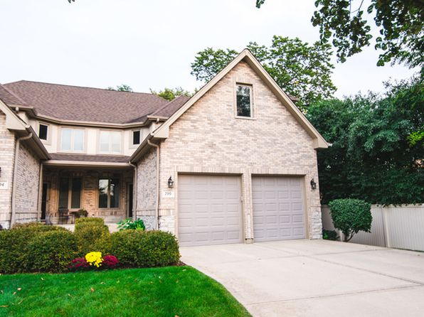 4 bed 3 bath Townhouse at 700 Fairmont Ct Westmont, IL, 60559 is for sale at 432k - 1 of 25