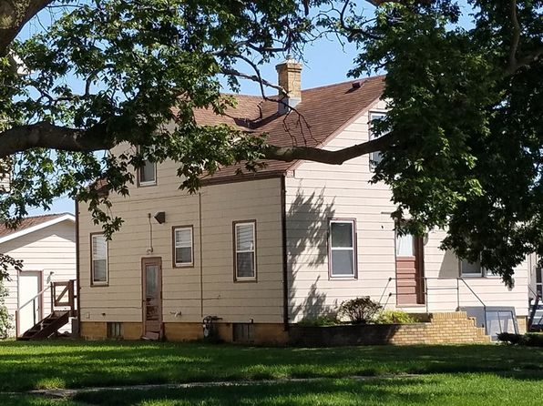 4 bed 3 bath Single Family at 810 Douglas Ave Yankton, SD, 57078 is for sale at 77k - 1 of 16