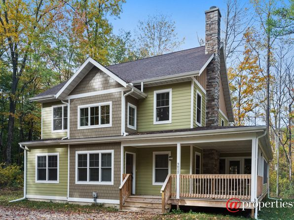 4 bed 4 bath Single Family at 9012 Acorn Path Lakeside, MI, 49116 is for sale at 550k - 1 of 20