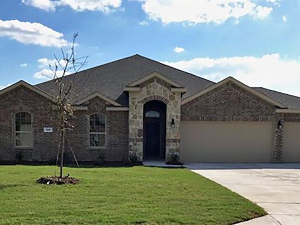 5 bed 2 bath Single Family at 309 Amber Ln Nevada, TX, 75173 is for sale at 290k - 1 of 19