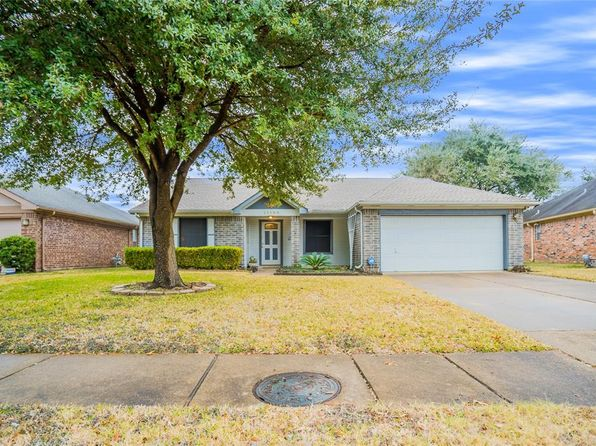 4 bed 2 bath Single Family at 11106 Fall Breeze Dr Houston, TX, 77064 is for sale at 195k - 1 of 17