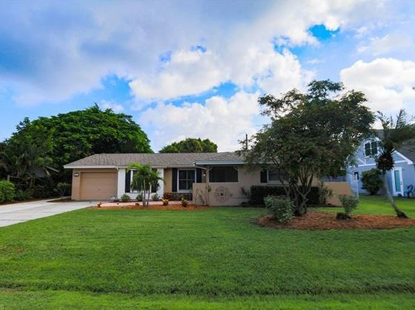2 bed 2 bath Single Family at 831 Entrada Dr N Fort Myers, FL, 33919 is for sale at 225k - 1 of 24