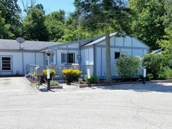 3 bed 1 bath Single Family at 28921 Sunrise Ln Waterford, WI, 53185 is for sale at 145k - 1 of 20