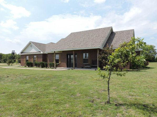 3 bed 2 bath Single Family at 121 Harli Dr Trenton, TX, 75490 is for sale at 239k - 1 of 36