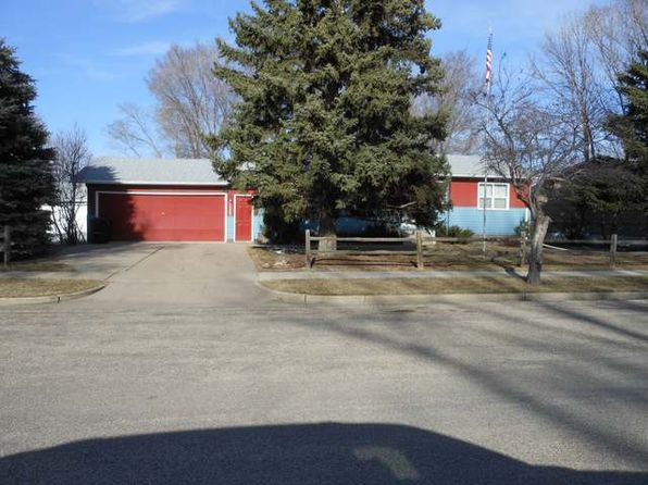 3 bed 1 bath Single Family at 1325 Albany Dr Bismarck, ND, 58504 is for sale at 175k - 1 of 24