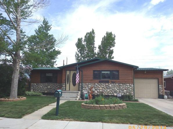 4 bed 1.75 bath Single Family at 105 E Sunset Dr Gillette, WY, 82716 is for sale at 215k - 1 of 28