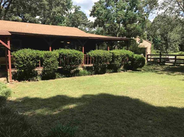 2 bed 2 bath Single Family at 5966 Phlox Trl Gilmer, TX, 75645 is for sale at 163k - 1 of 22