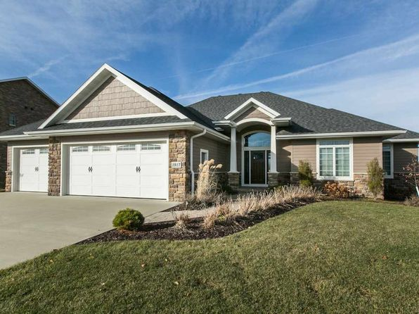 4 bed 4 bath Single Family at 1917 Creek Wood Dr Dubuque, IA, 52003 is for sale at 485k - 1 of 25