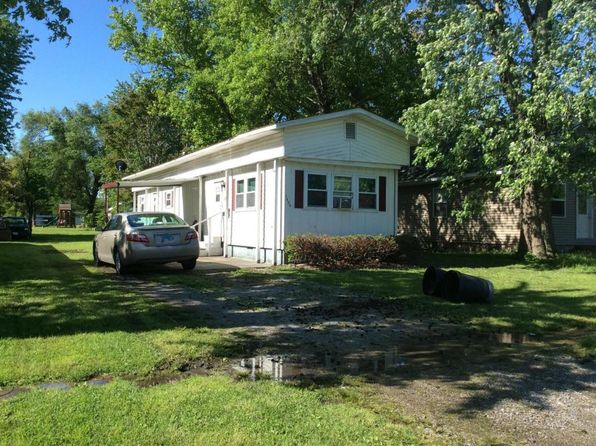 2 bed 1 bath Mobile / Manufactured at 1404 W Monroe St Herrin, IL, 62948 is for sale at 12k - 1 of 6