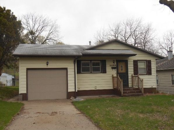 3 bed 2 bath Single Family at 1405 Mound St Davenport, IA, 52803 is for sale at 85k - google static map