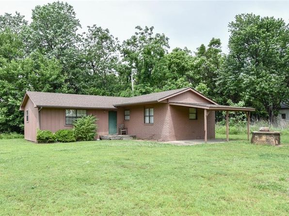 1 bed 1 bath Single Family at 107 1/2 NE 1st St Muldrow, OK, 74948 is for sale at 17k - google static map