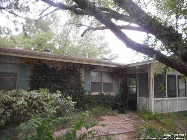 3 bed 2 bath Single Family at 1307 N Main St Pleasanton, TX, 78064 is for sale at 146k - 1 of 19