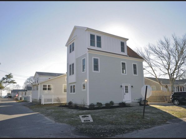 3 bed 3 bath Single Family at 39 BAYVIEW ST WAREHAM, MA, 02571 is for sale at 299k - 1 of 25