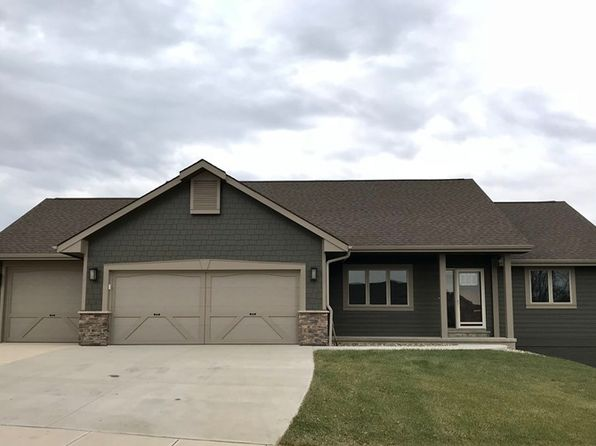 3 bed 3 bath Single Family at 1801 Dakota St Yankton, SD, 57078 is for sale at 385k - 1 of 23