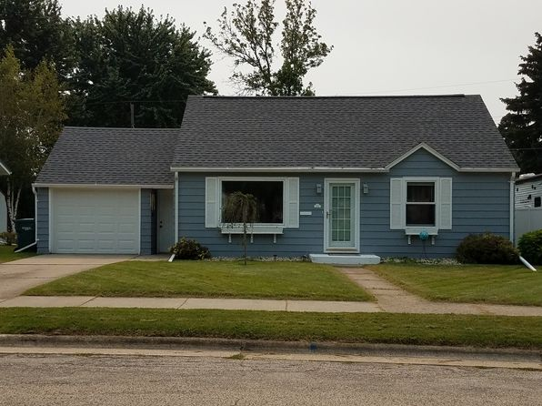 3 bed 1 bath Single Family at 125 Charlton St Beaver Dam, WI, 53916 is for sale at 130k - 1 of 15