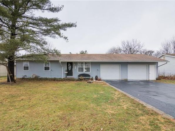 3 bed 2 bath Single Family at 6 Erica Ln Bunker Hill, IL, 62014 is for sale at 105k - 1 of 25